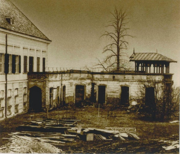 Before: View of the inner courtyard of Schloss Laxenburg, 1962